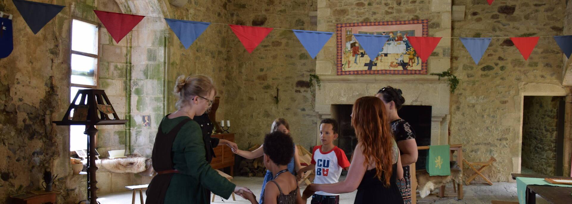Château Saint Mesmin – danse médiévale @OTBB