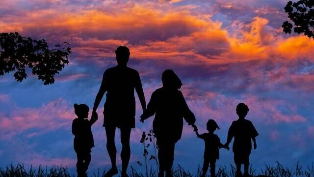 Trouvez votre séjour idéal pour des vacances en famille sportives ou détente, où l'essentiel est de partager des expériences inoubliables ensemble...