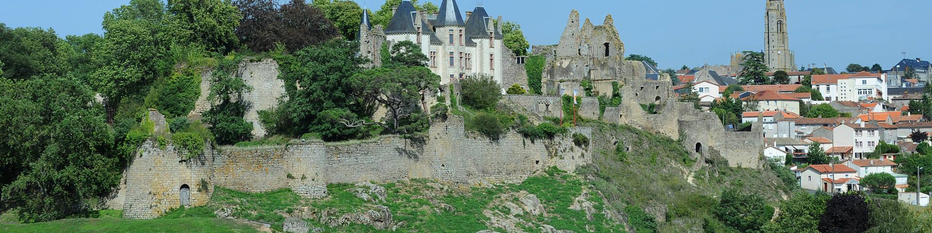 Château de Bressuire @PWall/CD79