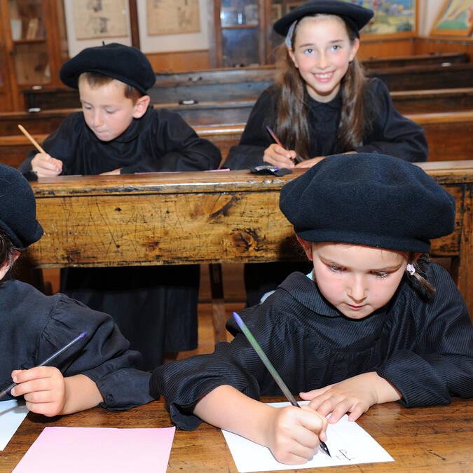 Ecriture à la plume à la Tour Nivelle