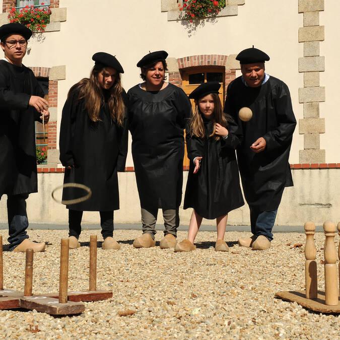 Jeux anciens à la Tour Nivelle