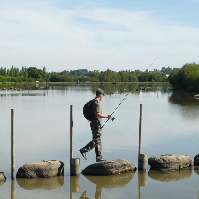 Pêche sur passage à gué étang des chirons Pescalis