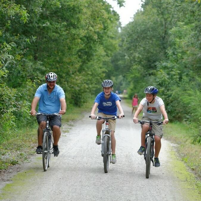 Randonnée à vélo sur la voie verte @PWall/CD79